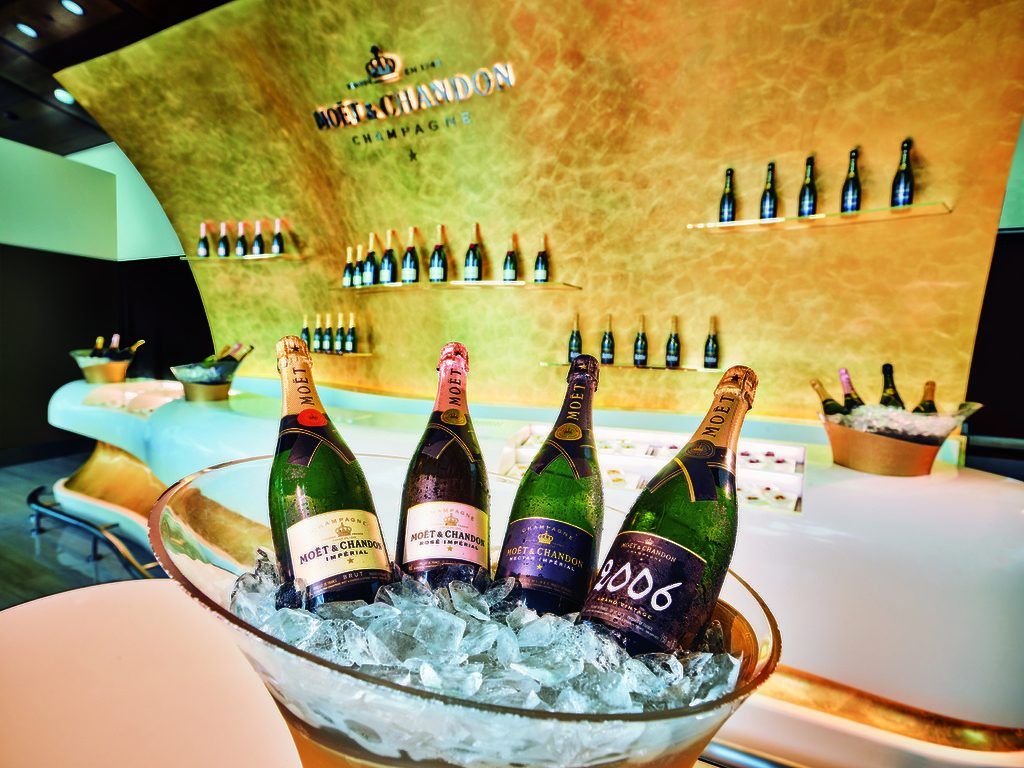 De Moët & Chandon champagne lounge