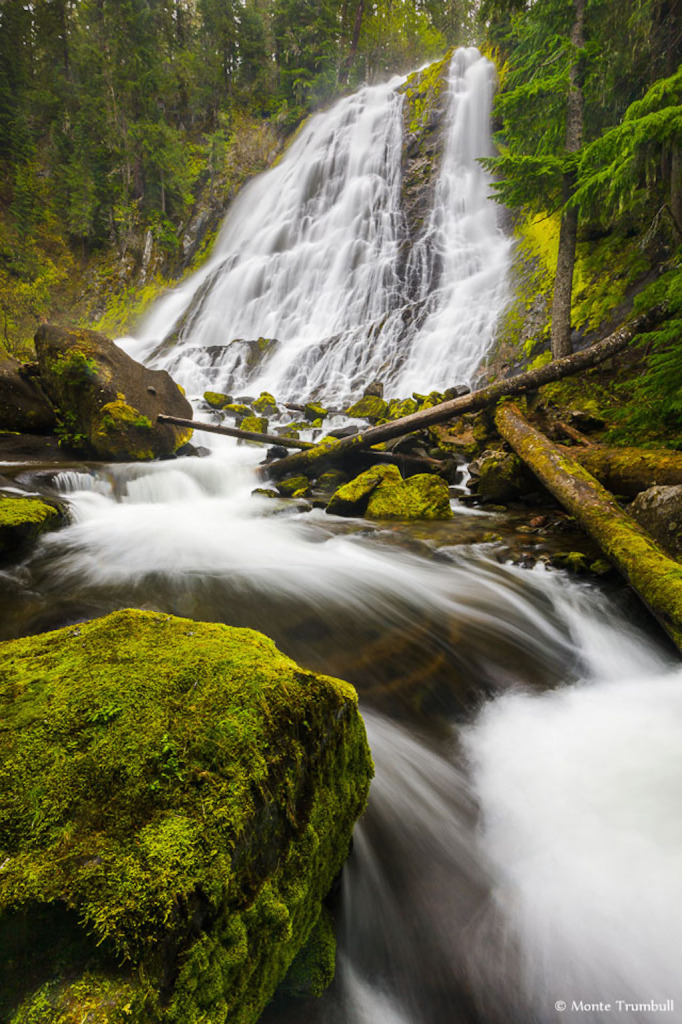 Daimond falls waterfall Oregon