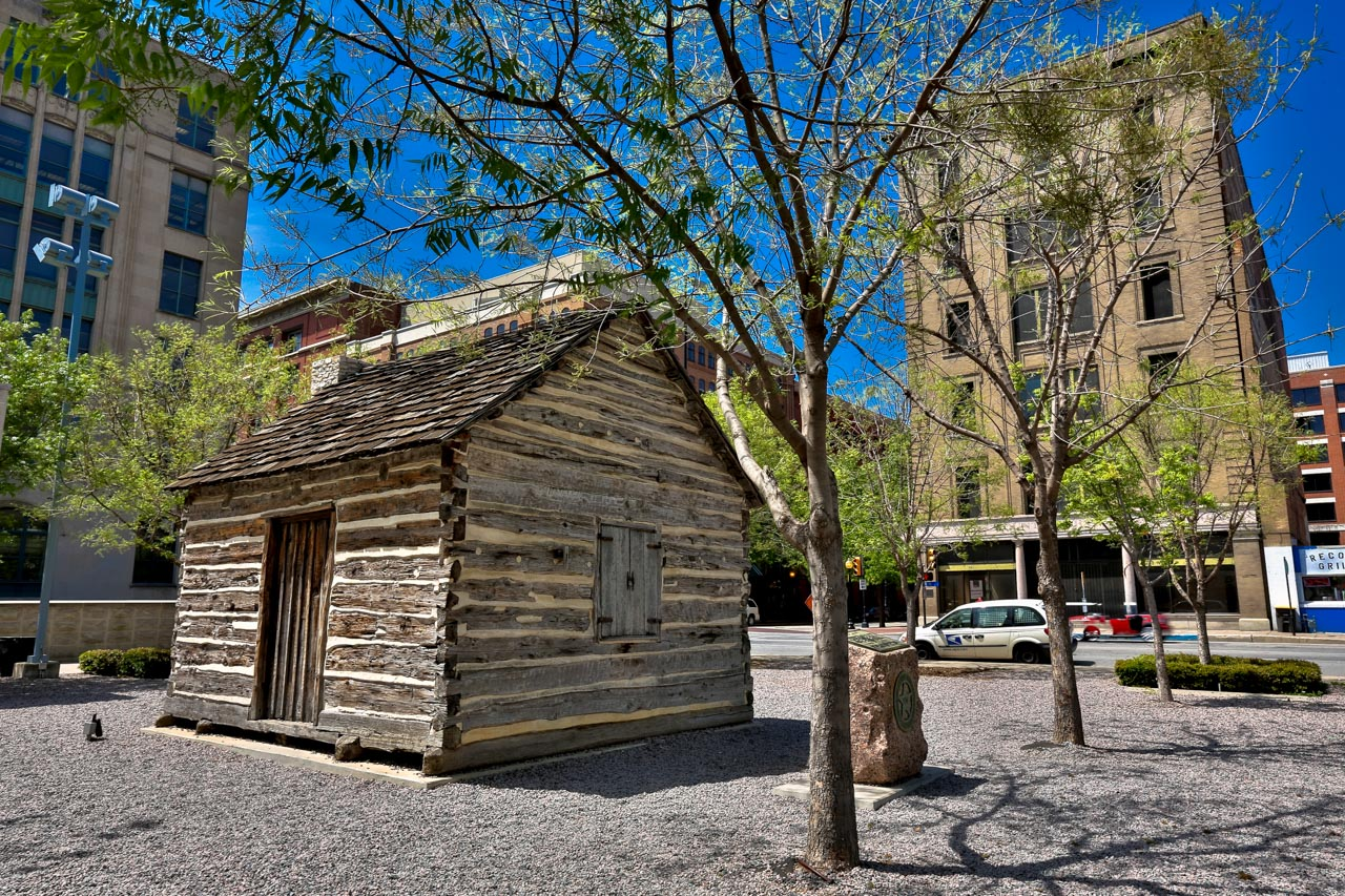 dallas-john-neely-bryan-cabin-foto-dallas-cvb
