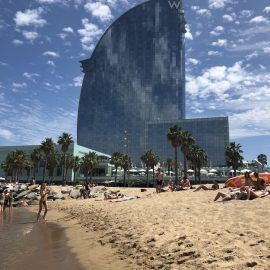 Zonnig en tropisch warm in Barcelona